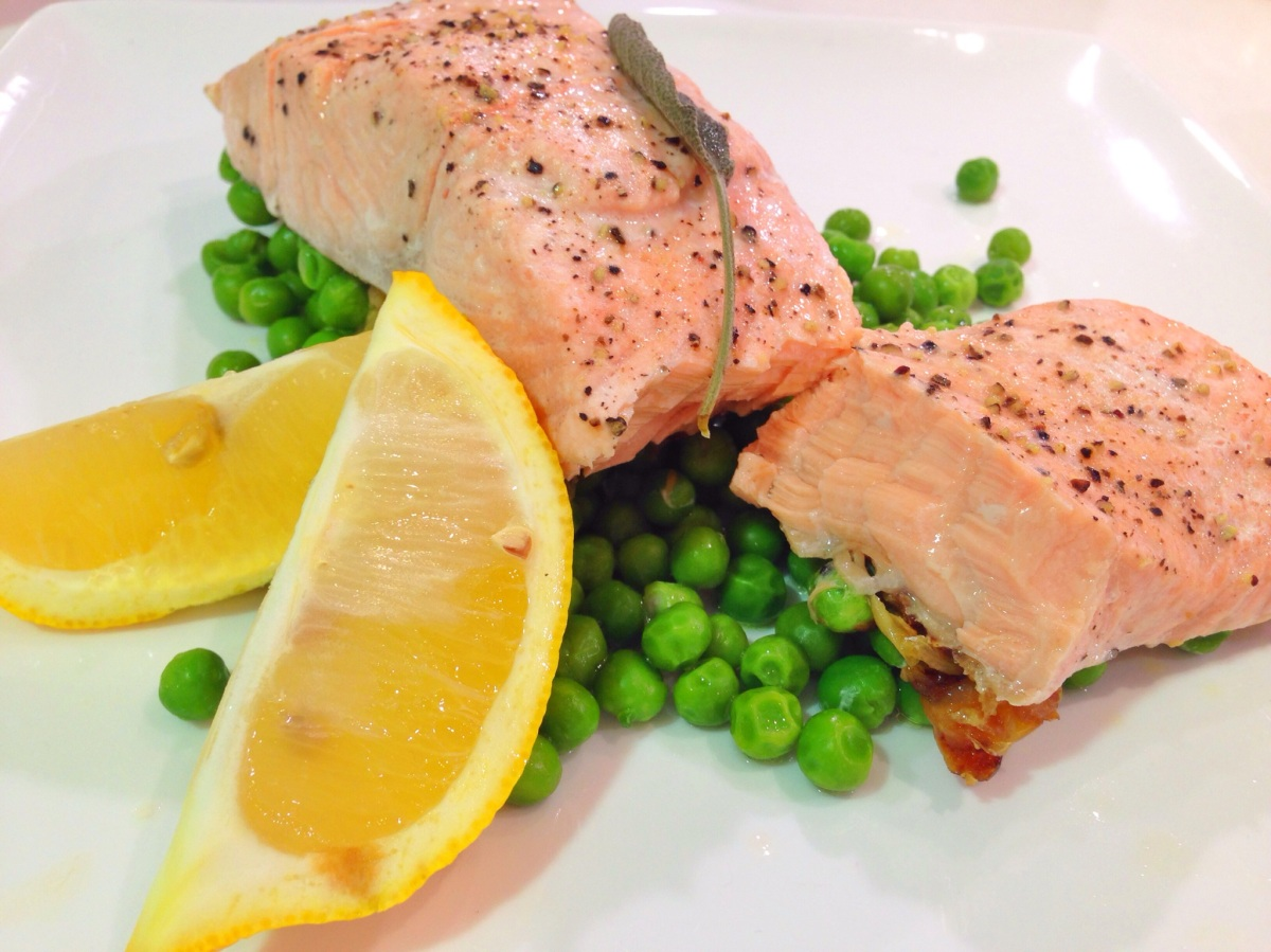 Steamed salmon on a bed of peas |