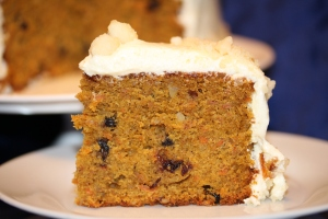 carrot and macadamia cake