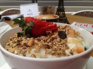 Seasonal fruit, yogurt and muesli